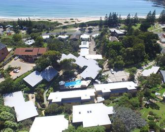Tathra Beach House Holiday Apartments - Bega - Buiten zicht