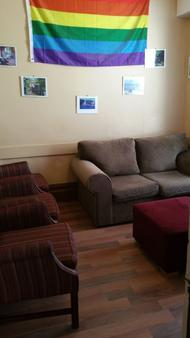 C&N Backpackers Hostel Vancouver - Vancouver - Living room