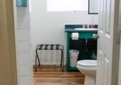 C&N Backpackers Hostel Vancouver - Vancouver - Bathroom