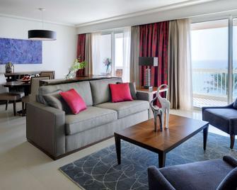 فندق موڤنبيك بيروت - بيروت - غرفة معيشة
