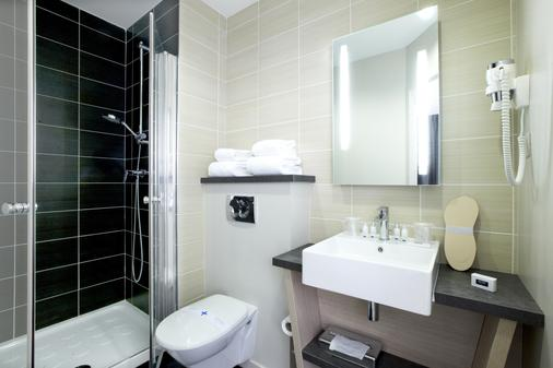 基里雅德卓越瓦纳中心蓋爾酒店 - 瓦訥 - 瓦納 - 浴室