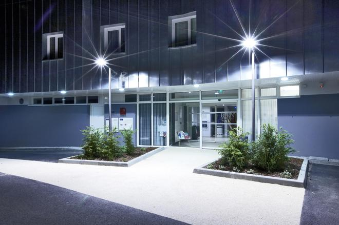Kyriad Prestige Vannes Centre - Palais Des Arts - Vannes - Bangunan