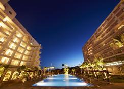 Hotel Mahaina Wellness Resort Okinawa - Motobu - Building