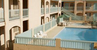 Americas Best Value Inn Mojave - Mojave - Pool