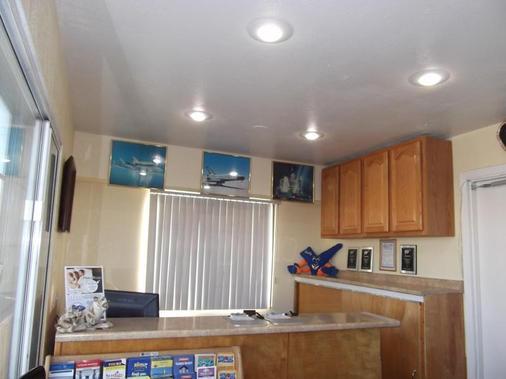 Americas Best Value Inn Mojave - Mojave - Front desk