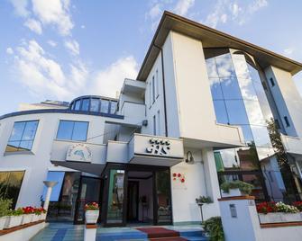 Hotel Sirena - Cesenatico - Building