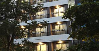 Hanoi Ping Luxury Hotel - Hà Nội - Toà nhà
