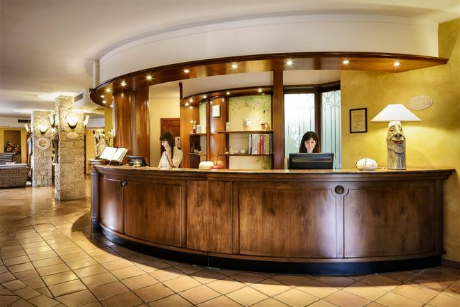 Cruccuris Resort - Villasimius - Front desk