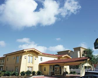 La Quinta Inn by Wyndham Clute Lake Jackson - Clute - Building