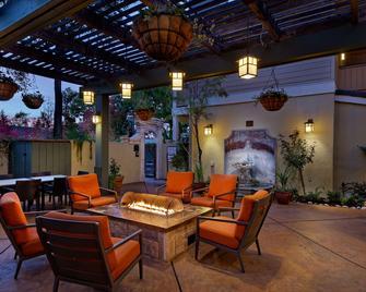 Best Western Sonoma Valley Inn & Krug Event Center - Sonoma - Binnenhof