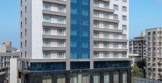 Radisson Blu Hotel Ahmedabad - Ahmedabad - Edificio