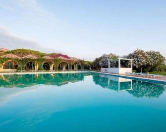Resort Marina di Castello Golf & Spa - Castel Volturno - Piscina