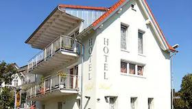 Eisberg Hotel Rust - Rust - Bâtiment