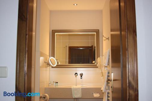 Hotel Unstruttal - Freyburg - Bathroom