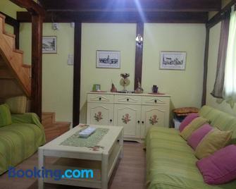 Holiday Homes Biser Lopatnice - Kraljevo - Living room
