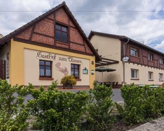 Gasthof Zum Slawen - Фечау - Building