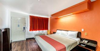 Motel 6 San Antonio Splashtown - San Antonio - Bedroom