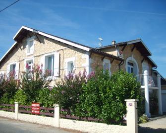 Le Chalet des Vignes - Bergerac - Gebouw