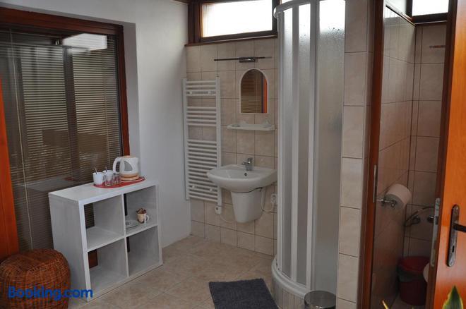 Penzion Kimex - Znojmo - Bathroom