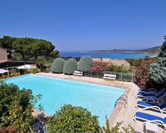 Domaine Saint Pierre - Cargèse - Pool
