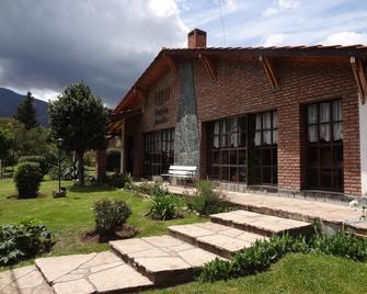 Hostería Lida - Мерло - Building