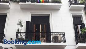 Lgy G A Y Bed & Breakfast Only Men - Buenos Aires - Gebäude