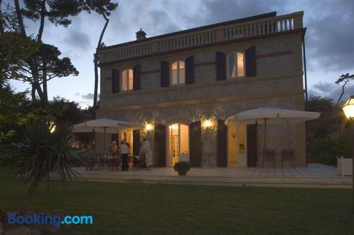 Villa Signori - Marina Di Pietrasanta - Toà nhà