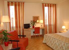 Hotel Al Santo - Padua - Bedroom