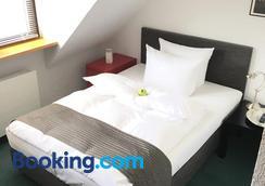 Hotel H.E.Y.M.A.N.N. - Kaiserslautern - Bedroom