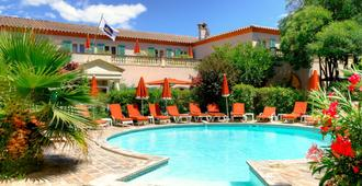 Best Western L'Orangerie - Nimes - Pool