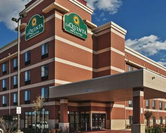 La Quinta Inn & Suites by Wyndham Edmond - Edmond - Building