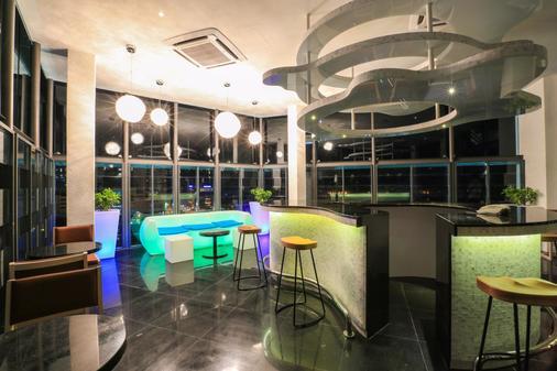 Eco Tree Hotel - Malakka - Bar