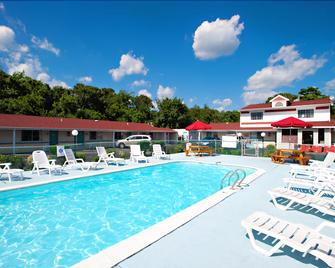 Economy Motel Inn and Suites Somers Point - Somers Point - Bazén