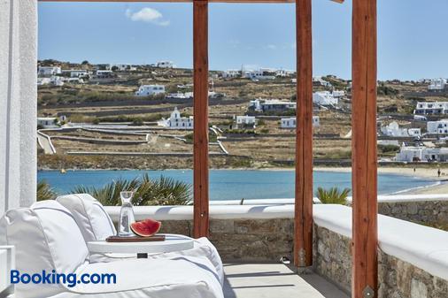 Mykonos Waves Beach House & Suites - Ορνός - Μπαλκόνι