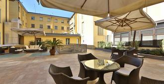 Best Western Hotel Cappello D'Oro - Bergamo - Patio