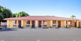 Rodeway Inn Old Town Scottsdale - Scottsdale - Edificio