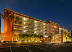 Ramada by Wyndham Tampa Airport Westshore - Tampa - Gebäude