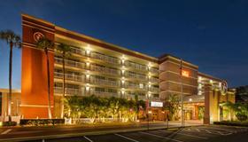 Ramada by Wyndham Tampa Airport Westshore - Tampa - Building