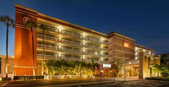 Ramada by Wyndham Tampa Airport Westshore - Tampa - Edifício