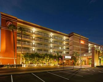 Ramada by Wyndham Tampa Airport Westshore - Tampa - Edificio