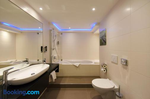 Zi Hotel And Lounge - Karlsruhe - Bathroom