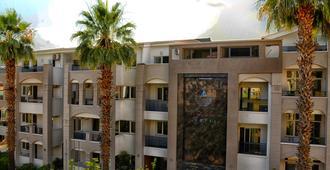 Two Seas Hotel - Marmaris - Building