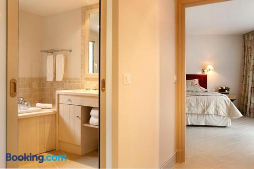 Les Manoirs de Tourgéville - Deauville - Bathroom