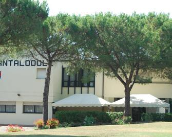 Hotel Cantalodole - Magione - Buiten zicht