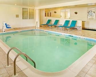 TownePlace Suites by Marriott Manchester-Boston Regional Airport - Manchester - Pool
