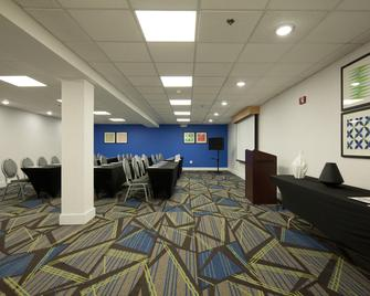 Holiday Inn Express & Suites Brentwood North-Nashville Area - Brentwood - Lounge