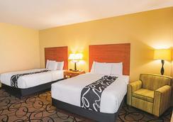 斯堡森林山拉金塔酒店和套房 - 沃斯堡 - 沃思堡 - 臥室