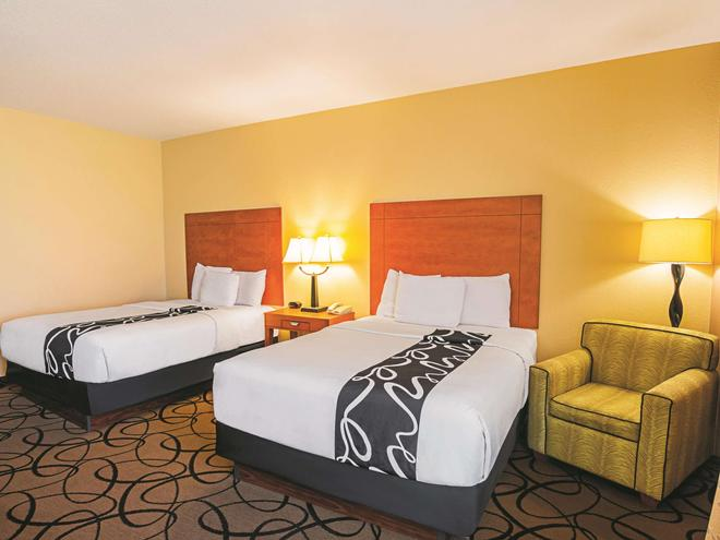 La Quinta Inn & Suites by Wyndham Ft. Worth - Forest Hill TX - Fort Worth - Bedroom