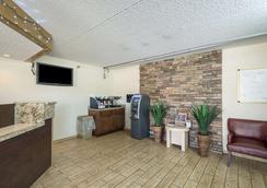 Rodeway Inn - Tampa - Lobby