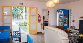 Pura vida Mae Hostel - Yerba Buena - Sala de estar